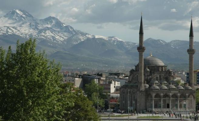 Kayseri'de imam hatipliler boş durmuyor
