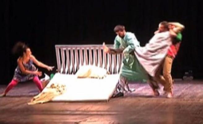 Dünyanın tiyatrosu Tunus'taydı (video)