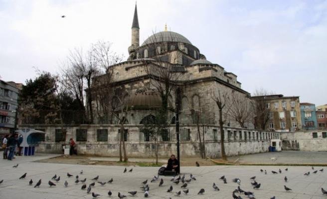 Gazi Atik Ali Paşa Camii'nde bir ikindi namazı