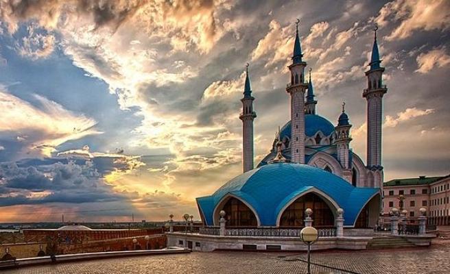 Her cami aynı ve değişmez imanı dillendirir