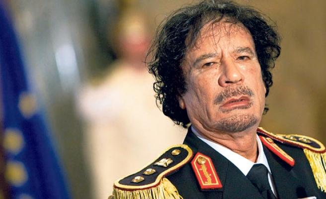 Kaddafi'nin elinde sokak sokak Libya'nın çöküşü