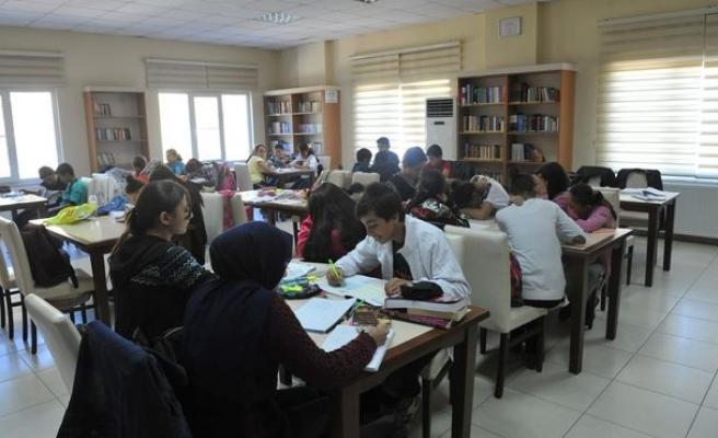 Sınavlar çoğaldı, kütüphaneler dolup taştı!?