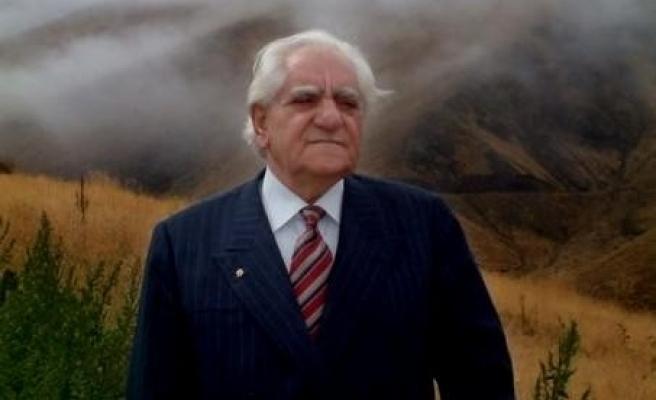Erzurum türkülerinin coşkun sesi: Raci Alkır