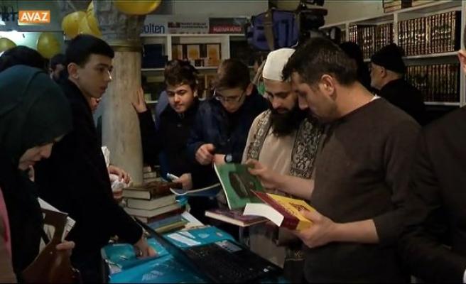 Sultanahmet'te Arapça kitap fuarı (video)