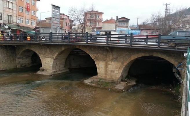 Ortasından nehir geçen şehirlerden biri Armutlu