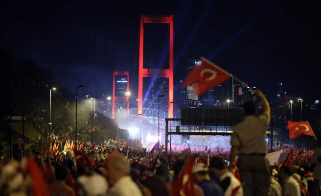 Çeşitli Ülkelerden Sembol Köprüler ve 15 Temmuz Şehitler Köprüsü (video)