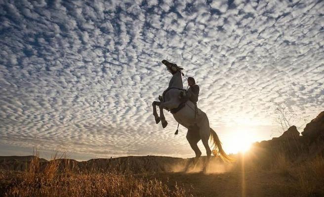 'At Türklerin Kanadıdır' (video)