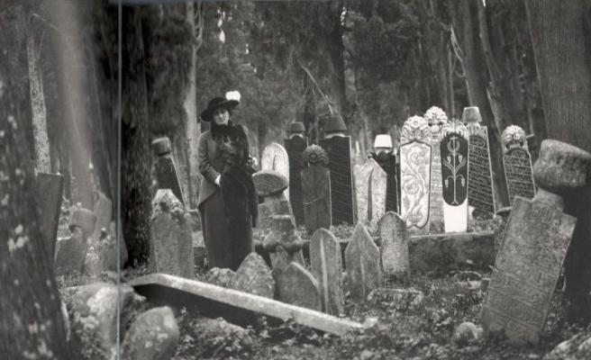 Chicago'ya Benzemek ya da Karacaahmet Mezarlığı'nda Ne Oldu?