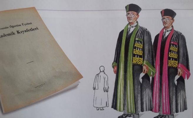 Akademik Kıyafetler Nereden Geliyor?