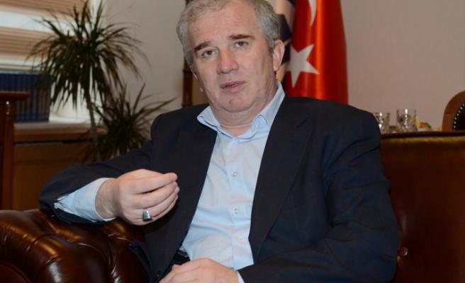 Cemaleddin Latiç: Süleyman Çelebi'nin Mevlid'i ile Büyüdüm