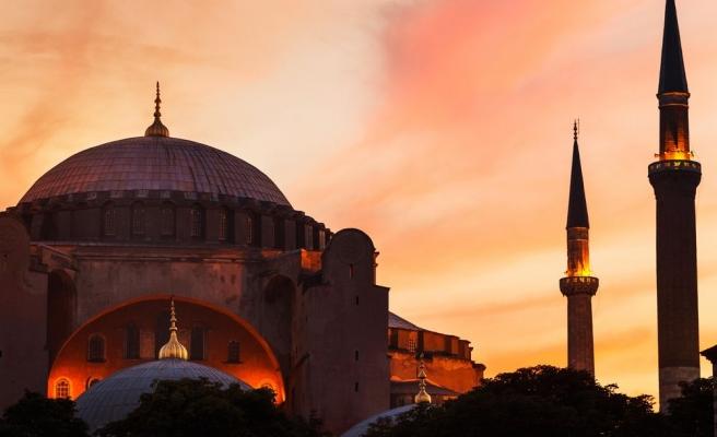 Ayasofya Camii Hakkında İslamcı Dergiler Neler Söyledi?