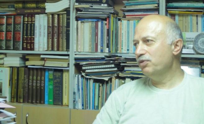Mevlüt Ceylan'ın Şiirleri İki Kapak Arasında: Güller ve Çığlıklar