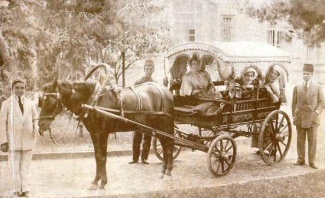Eski İstanbul'da Araba Hanımlara Mahsus Bir Araç Olarak Görülürdü