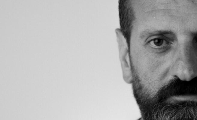 Uzağın ve Yalnızlığın Öyküsünü Yazıyor Dursun Ali Sazkaya