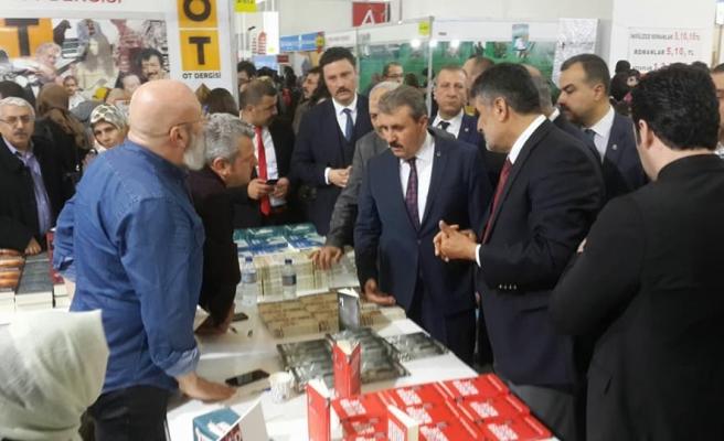 Ankara Kitap Fuarı'nda KTP Kitabevi standına yoğun ilgi
