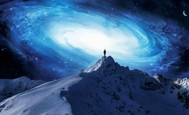 İnsan Bilinci Mikro Âlemler Yaratır, Kendi Hikâyesini Yazabilsin Diye
