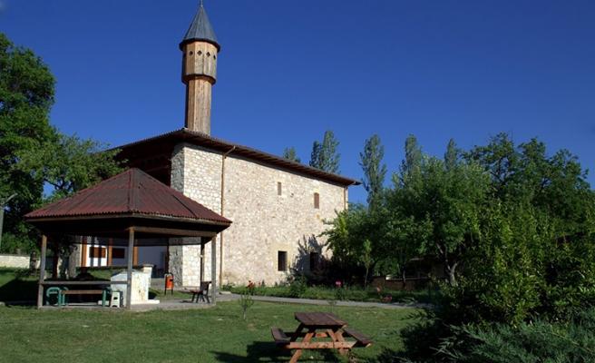 Çivisiz Cami Yıllara Meydan Okuyor