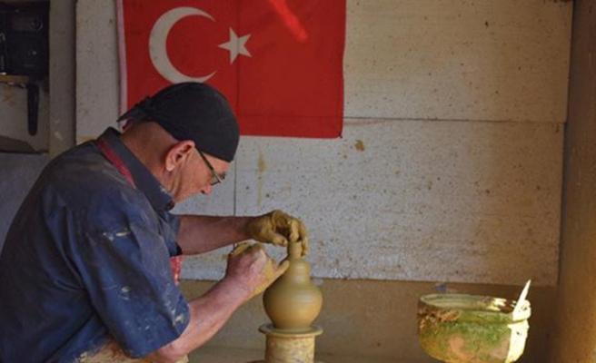 Köylüler 135 Yıldır Toprağı Sanata Dönüştürüyor