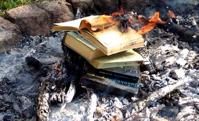 Bir kitabım bile toplatılmadı!?