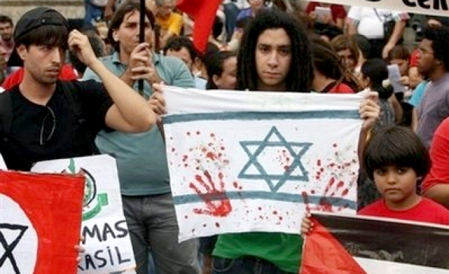 Hey İsrail; al sana beddua!
