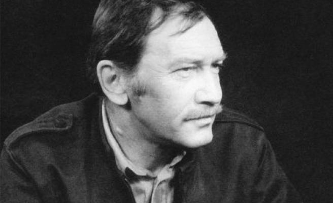 Ağustos 22, Turgut Uyar öldü mü