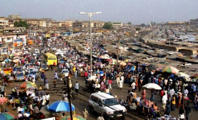 Gana'da da protokol varmış!