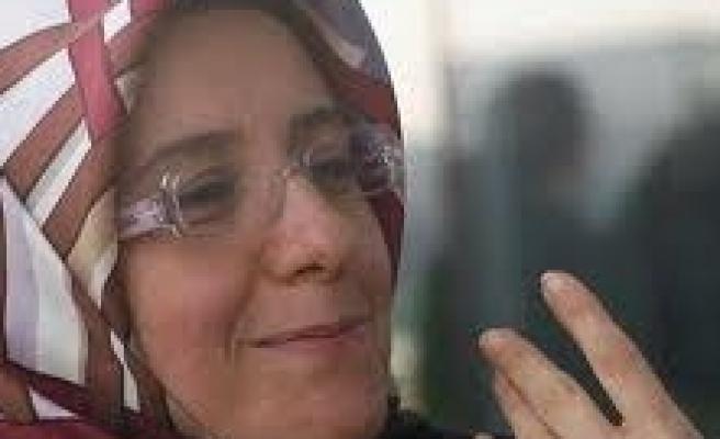 F. Barbarosoğlu'ndan feminizme gol!