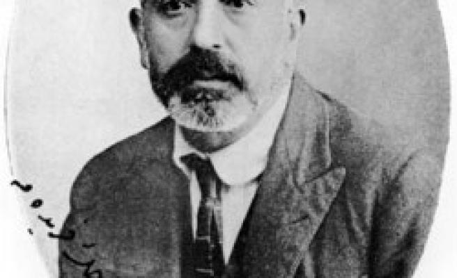 Mehmet Akif mezarı başında anılacak