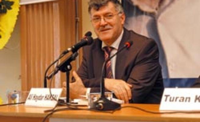 Ali Haydar Haksal'a saygı gecesi