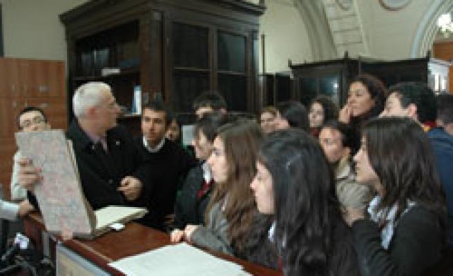 Liseliler Osmanlı Arşivinde