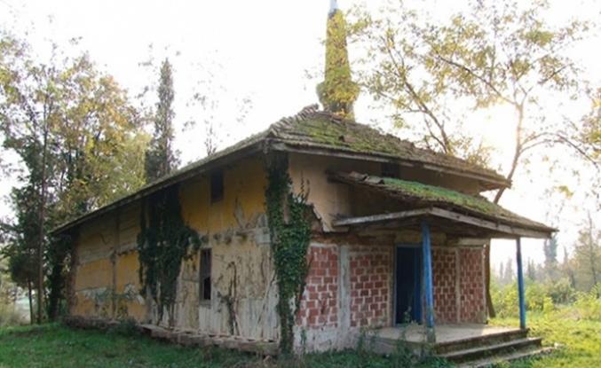 Sakarya'da 700 yıllık caminin restorasyonu için çalışma yapılıyor