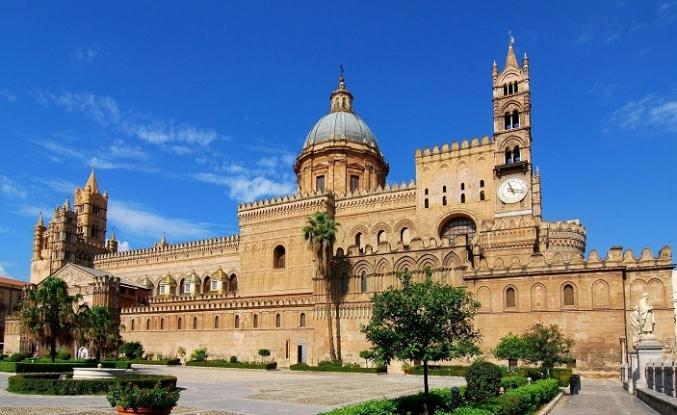 Bir Endülüs bir de Sicilya