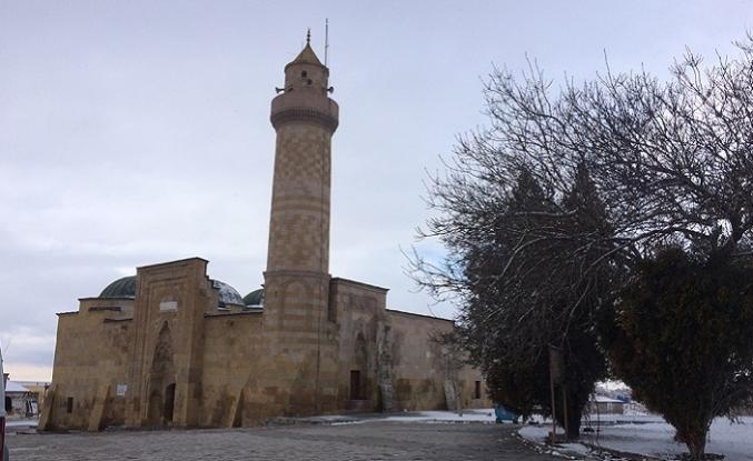 Alaaddin Camii'nin kapısındaki sır ne?