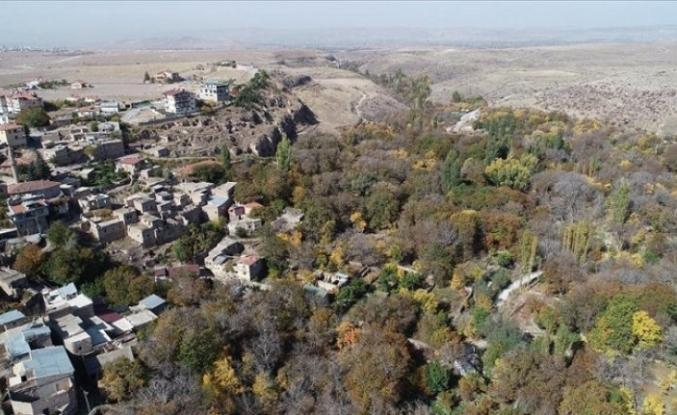 Kayseri'de sonbahar renkleri Gesi Bağları ve Koramaz Vadisi'ne ayrı güzellik kattı